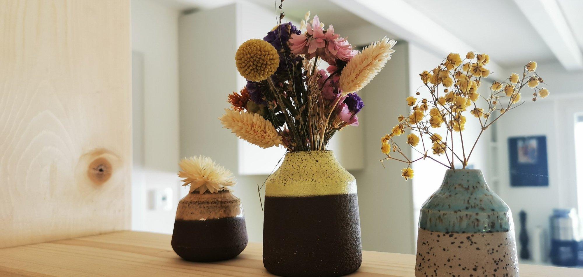 Blumendekoration in der neuen Fachwerkwand